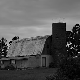 It's a Barn! by Brian Hughes - Buildings & Architecture Other Exteriors ( mo, barn, silo, rural, barn & silo )