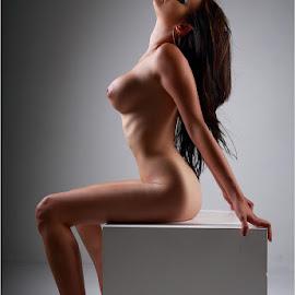 Lena by Clifford Els - Nudes & Boudoir Artistic Nude
