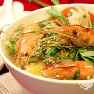 Vietnamese Hot and Sour Shrimp Soup (Canh tôm nấu chua)