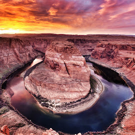 Horseshoe Bend by Jeffrey Genova - Landscapes Sunsets & Sunrises ( water, sky, sunset, arizona, canyon, horseshoe bend, rocks, river, Earth, Light, Landscapes, Views,  )