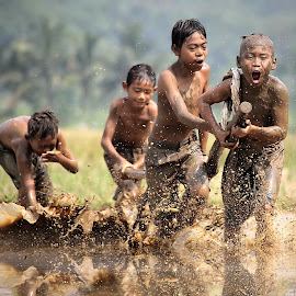 Ploughing rice fields  by DODY KUSUMA  - Babies & Children Children Candids ( canon, indonesia, dodykusuma, kids,  )