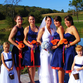 The Bride and her Girls by Amy Hepler - Wedding Groups