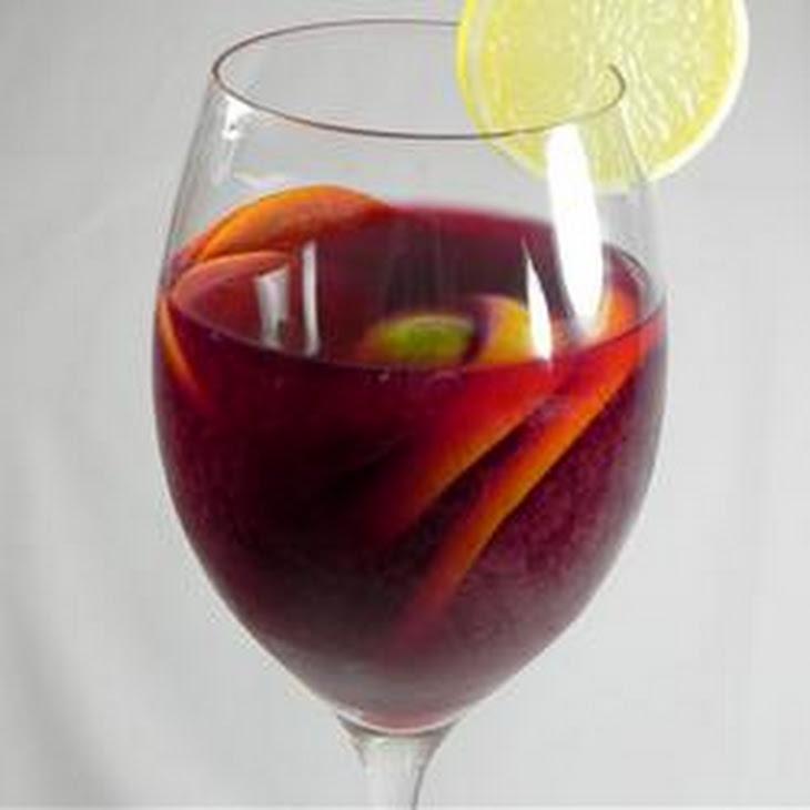 Classic Spanish Sangria Recept | Yummly