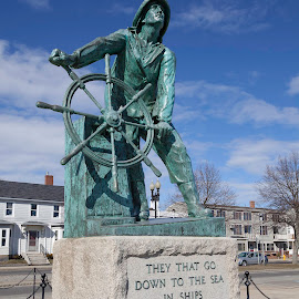 Fisherman Memorial by Matt Weaver - Buildings & Architecture Statues & Monuments ( statue, whell, memorial, glouchester, ma, helm, fishing, architecture, boat, massachusetts )