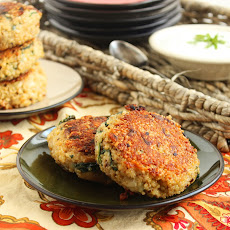 Cheesy Artichoke-Spinach Quinoa Cakes with Lemon-Caper Sauce