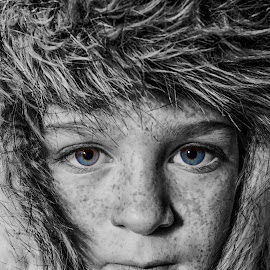 The beauty is in the eye of the beholder by Jurgen Roumans - Babies & Children Child Portraits