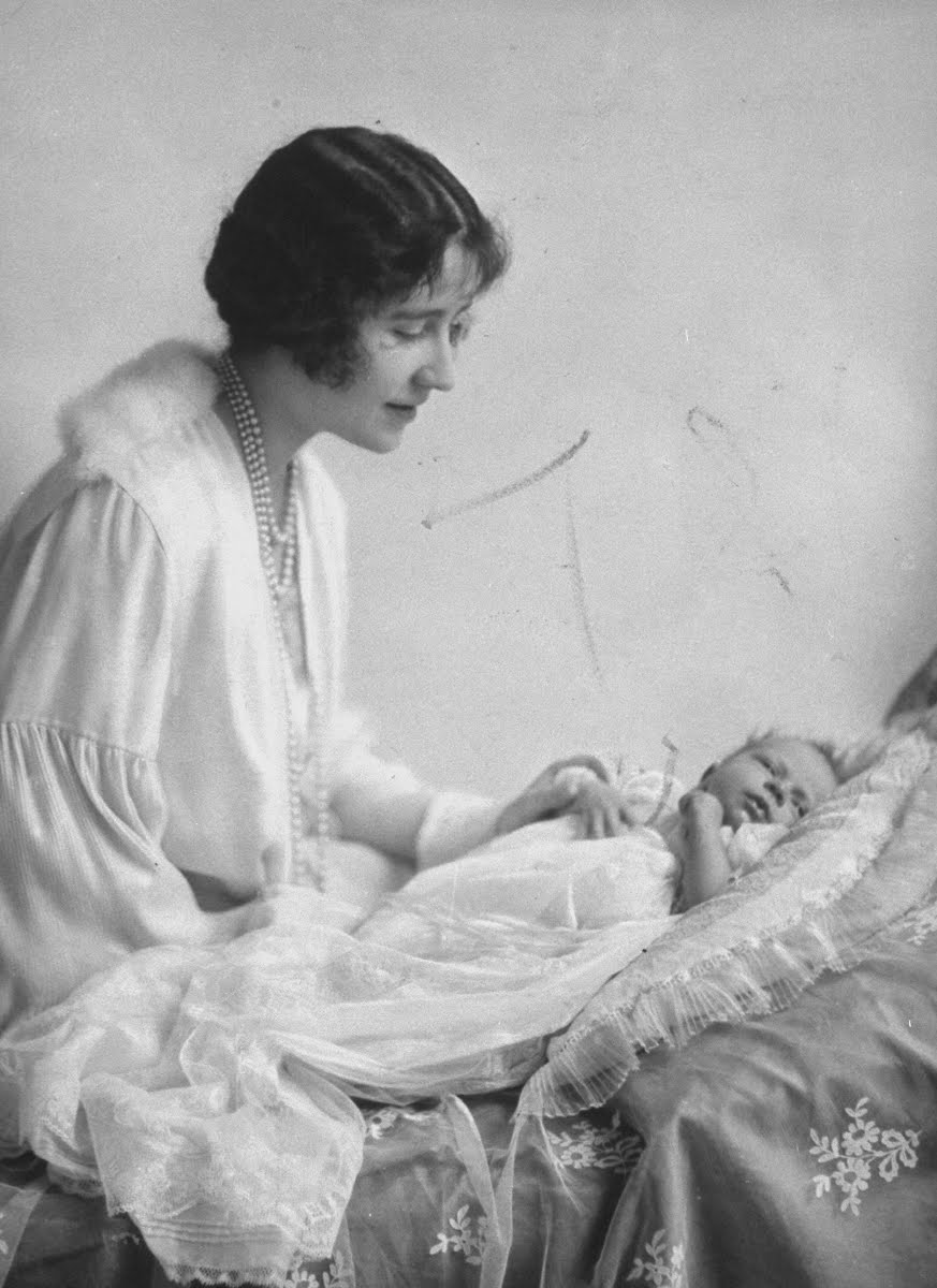 Portrait of the Duchess of York (future Queen Mother) with her newborn daughter Princess Elizabeth