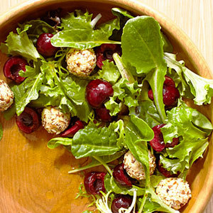 Mixed Greens with Cherries and Feta Cheese Balls Recept | Yummly