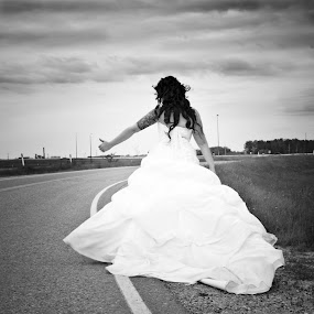 Ready to Run by Tine Butler - Wedding Other ( tine butler photography, manitoba wedding photographer )