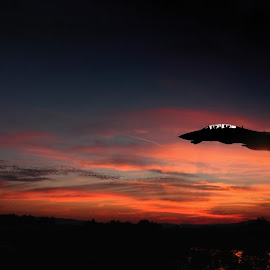 Low Pass by Paul Mays - News & Events Technology ( speed, color, sunset, jet, airshow,  )