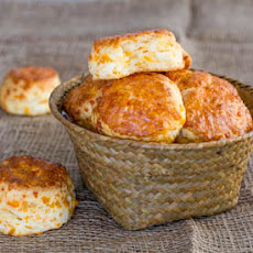 Mini Cheese Biscuits with Buttermilk