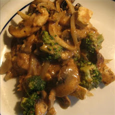 Tofu and Broccoli with Peanut Sauce
