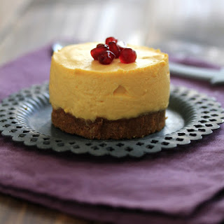 No-Bake Lemon-Mango Cheesecakes with Speculoos crust