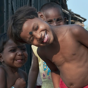 Happy Moment by Subhasis Ghosh - Babies & Children Children Candids ( happy moments, children candids, childhood, moments, street photography )