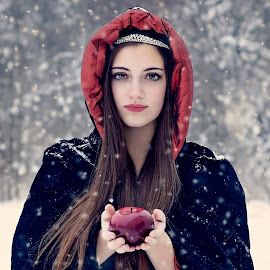 Snow White by Darya Morreale - People Portraits of Women ( winter, apple, snow, beautiful girl, snow white )