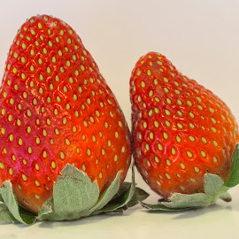 Strawberry by Rahul Phutane - Food & Drink Fruits & Vegetables ( fruit, red, strawberry,  )