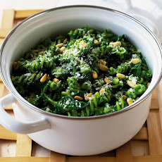 Fusilli With Glorious Green Spinach Sauce