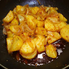 Sri Lankan   Ala Badun ( Potatoes and Onions)