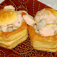 Vol-Au-Vent With Chicken, Mushrooms and Pepper