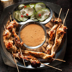 Chicken Satay with Spicy Peanut Sauce