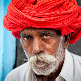 Wisdom by Fortunato Matteo - People Portraits of Men ( red, blue, rajasthan, wisdom, india, matteofortunatophoto )