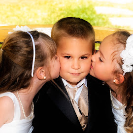 Cute Kids by Shawn Klawitter - Babies & Children Children Candids ( love, kissing, wedding, children, kids )