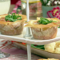 Lasagna Cupcakes with Sausage and Mango Chutney