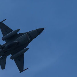 Sukhoi in action by Fuad Arief - News & Events Entertainment