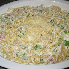 Cheesy Spaghetti With Bacon and Peas