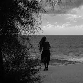 Just waiting by Rita Brito - People Street & Candids ( black and white, waiting, woman, sea, beach,  )