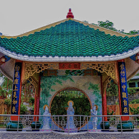 Chinese Temple by Ariel Ladrido - Buildings & Architecture Other Exteriors ( temple, church, monument, architecture )