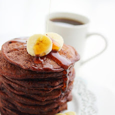 Fluffy Chocolate Banana Pancakes