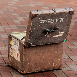 case by Vibeke Friis - Artistic Objects Other Objects ( suitcase )