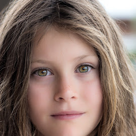 serious by Vibeke Friis - Babies & Children Child Portraits ( young girl, serious, close-up, portrait,  )