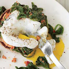 Eggs Florentine with Sun-Dried Tomato Pesto