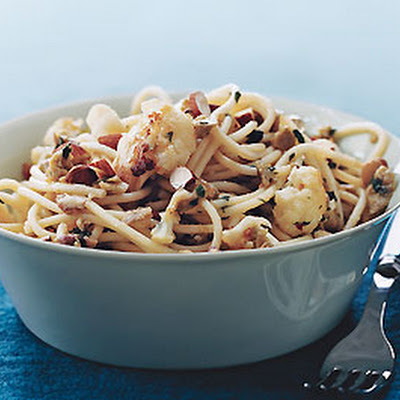 Spaghetti with Cauliflower, Green Olives, and Almonds