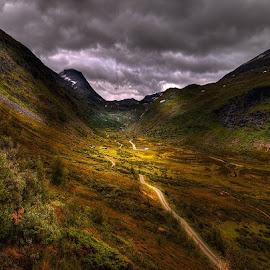 Setergrend. by John Aavitsland - Landscapes Mountains & Hills