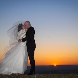 Sunset in two by Vasiliu Leonard - Wedding Bride & Groom ( wedding photography, wedding, wedding dress, wedding photographer, bride, groom )