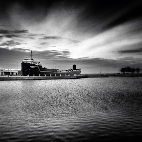 RnR by Christopher Gray - Instagram & Mobile iPhone ( boat )
