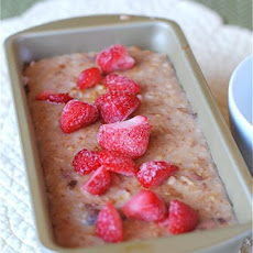 Cinnamon-Sugar Strawberry Steel Cut Oat Loaf