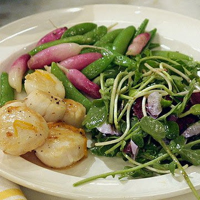 Seared Scallops with Sugar Snap Peas and Radishes