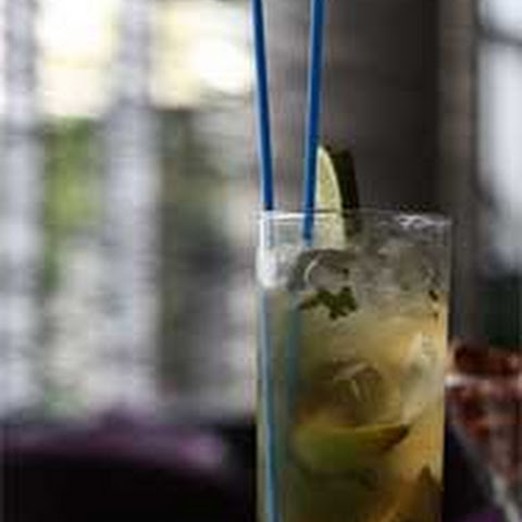 The Perfect Dark Rum Mojito