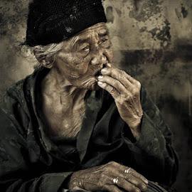 Nginang by Adi Bagus Ramadian Kusuma - People Portraits of Women