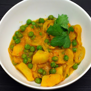 Potato and Pea Curry (Aloo Matar)