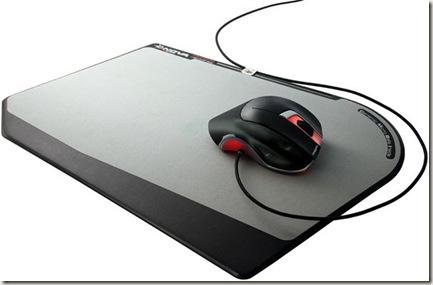 nova-slider-x-600-laser-gaming-mouse-on-nova-over-slide-mouse-pad