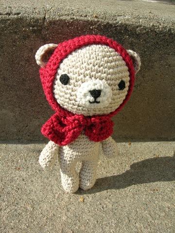 Amigurumi Little Bear : IMAGINARY WARDROBE: Little Red Riding Hood Amigurumi Bear