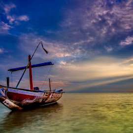 freeeeee..... by Andy Bagus - Transportation Boats