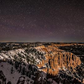 Bryce Canyon by night by Thomas Larkin - Landscapes Deserts ( starts, night photography, night, bryce canyon, starscape )
