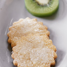 Cornmeal Biscuits with Kiwi