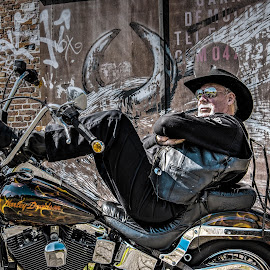 Relaxed biker by Edzo Boven - People Portraits of Men ( motorclub, doel belgië, pentax, pentax k-3, belgium, doel, belgië, motoren )